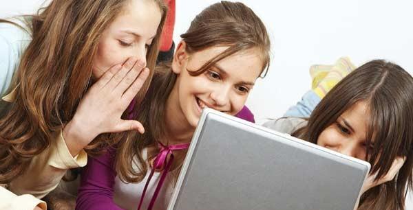 teens on internet
